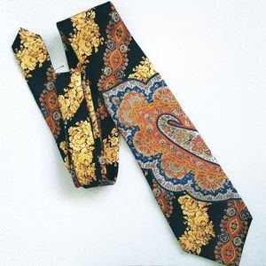 Gian Marco Venturi Abstract Floral 100% Silk Tie